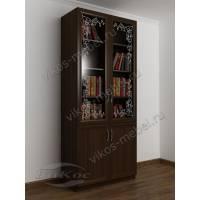 Книжный шкаф со стеклянными дверями и пескоструйным рисунком венге
