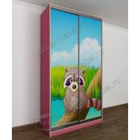 Маленький шкаф-купе в детскую комнату с фотопечатью розовый