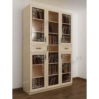 Стильный книжный шкаф с красивым пескоструем на стеклянных дверях беленый дуб