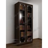 Распашной двухдверный шкаф для книг с пескоструем на стеклах венге