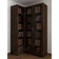 Угловой шкаф для книг в гостиную с гладким фасадом
