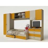 Яркая детская стенка с кроваткой и шкафом для девочки